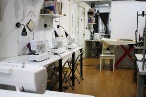 Aula de clases de costura continuas